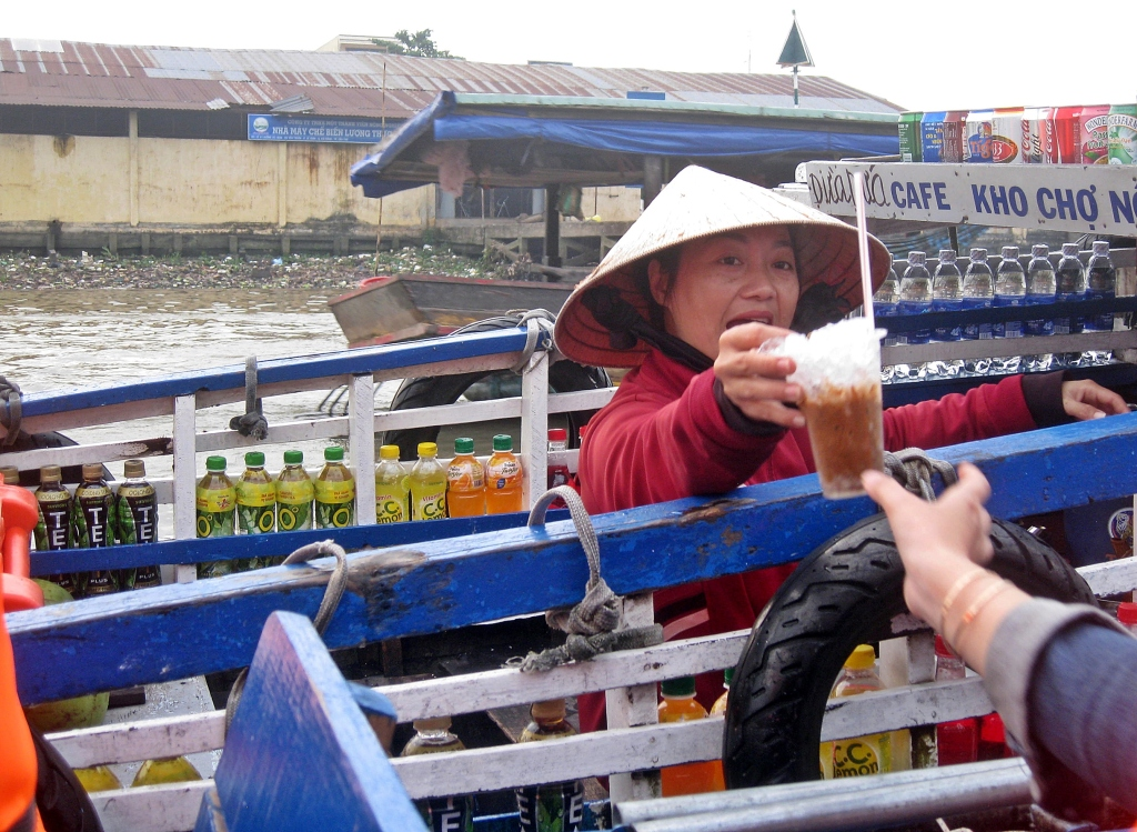 Floating cafe, Cai Rang Floating Market