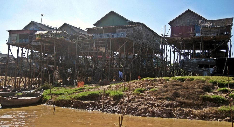Rows of stilt homes, Chong Khneas