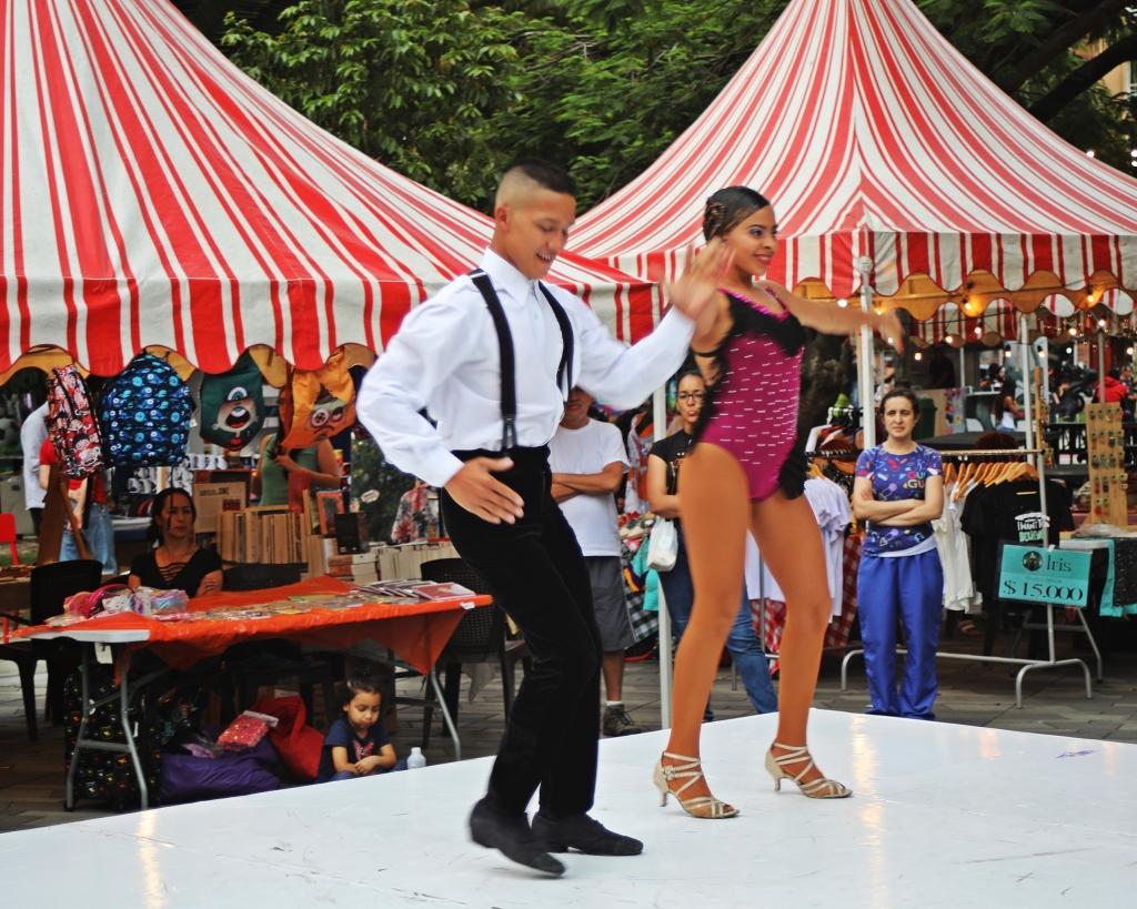 Salsa dancers, Medellin