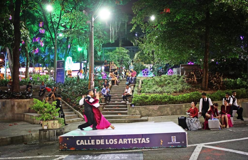 Tango dancers, Poblado, Medellin