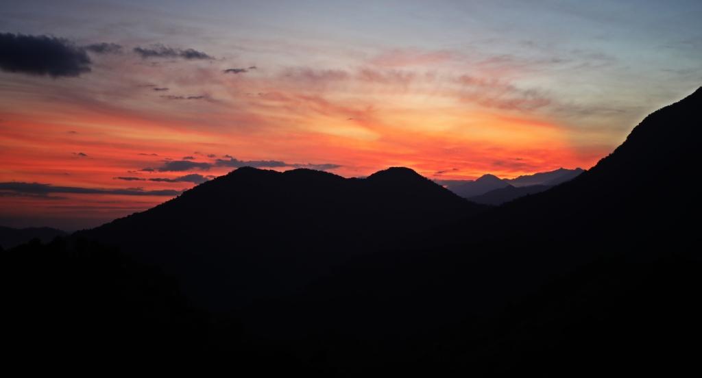 Sunrise, Cuidad Perdida Trek