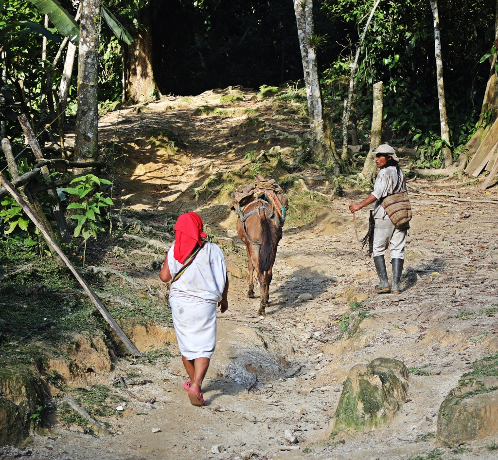 Indigenous couple, Ciudad Perdida Trek
