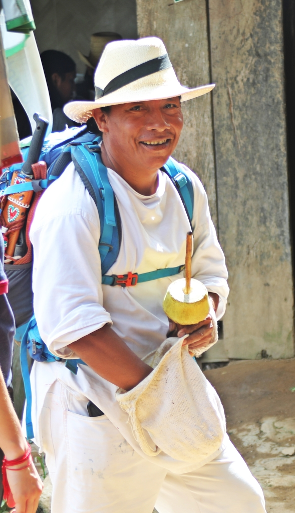Chinto and his poporo, Ciudad Perdida Trek