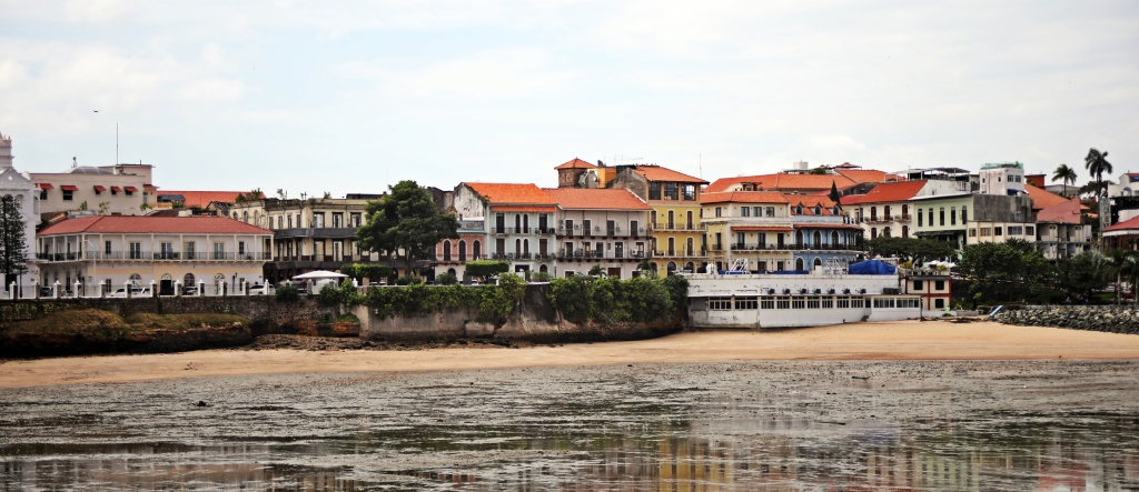 Casco Viejo at low tide, Panama