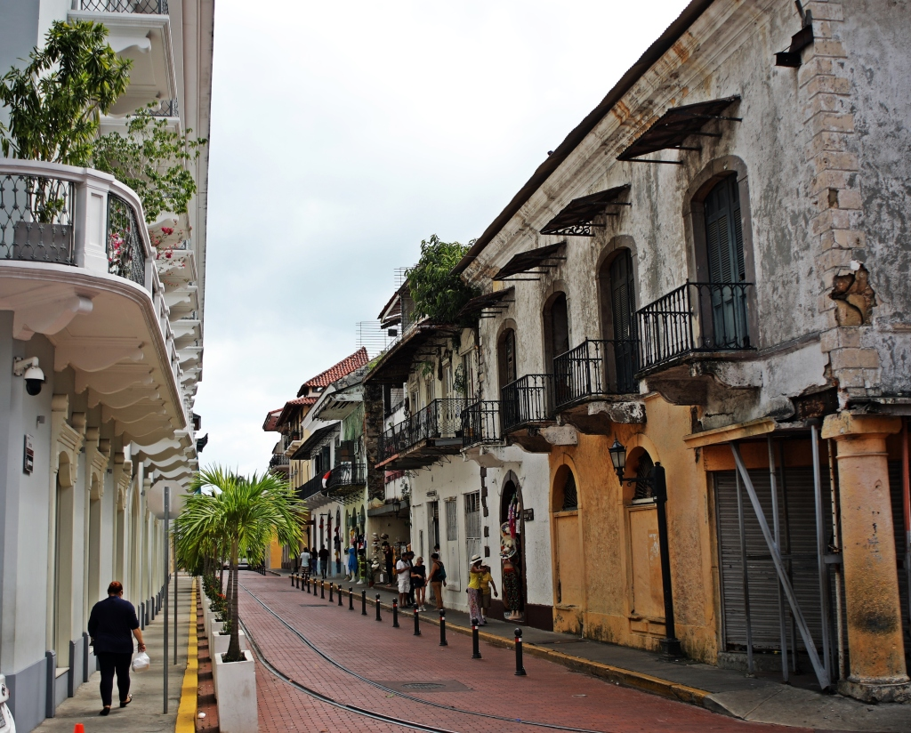 Non-restored buildings, Casco Viejo, Panama
