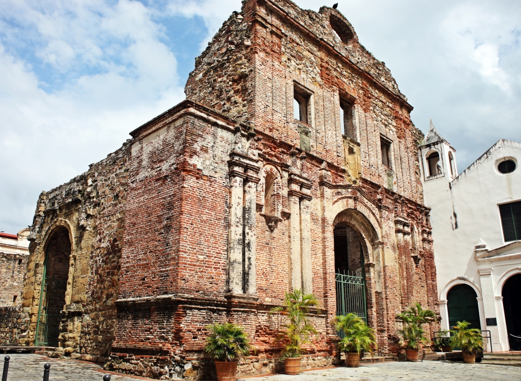 Arco Chato Church ruins, Casco Viejo, Panama