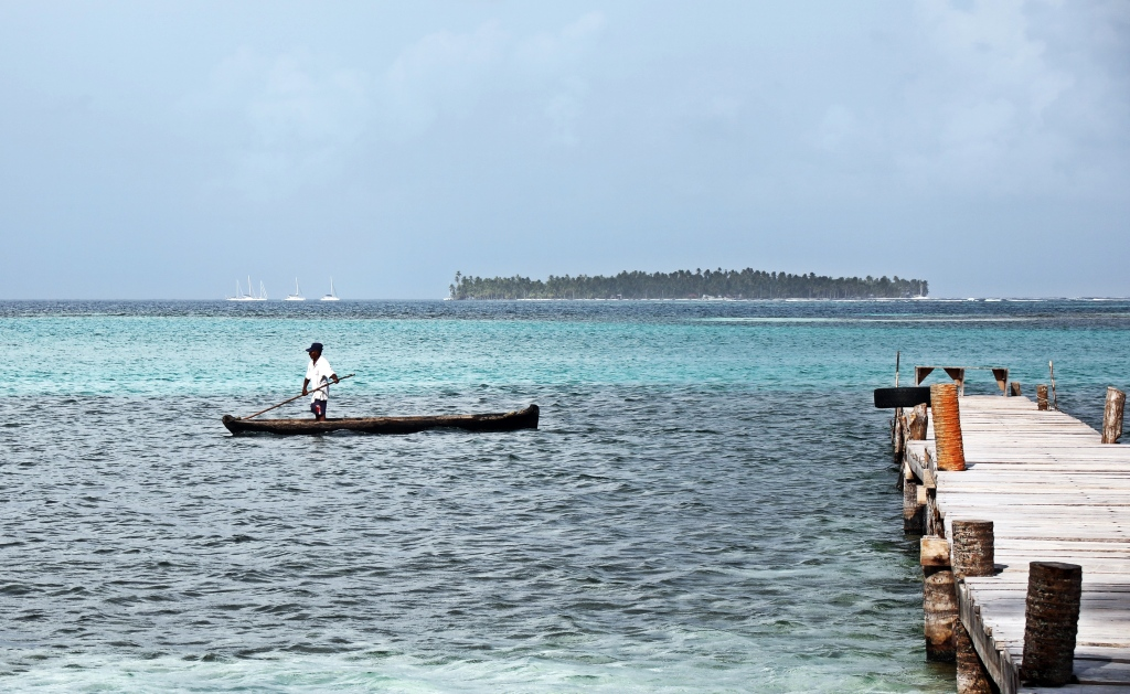 Fisherman near Yani Island, San Blas