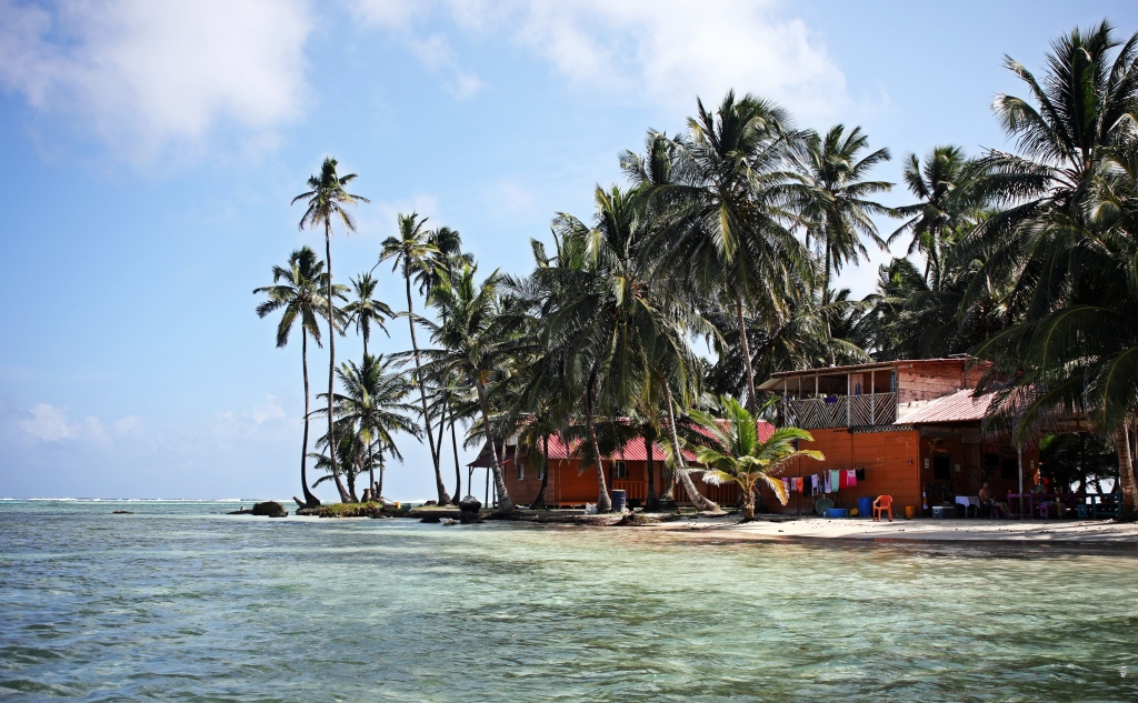 Accommodation and restaurant, Yani Island, San Blas