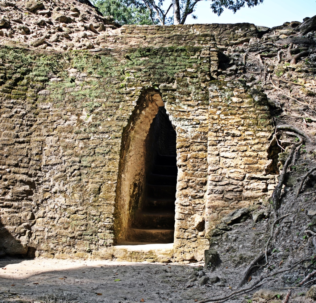 Doorway, Cahal Pech