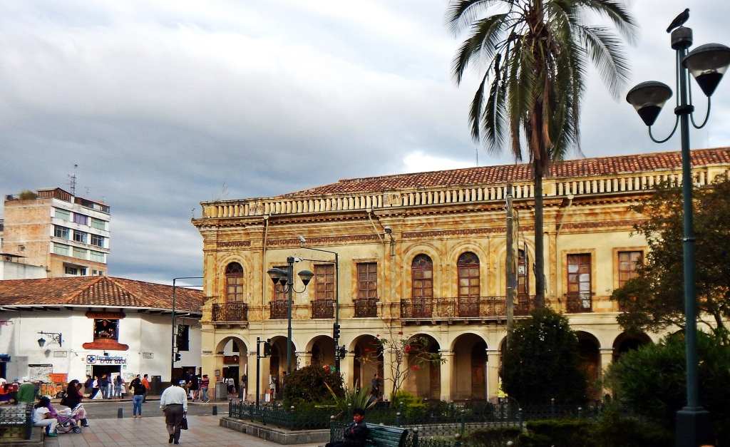 Colonial building, Cuenca