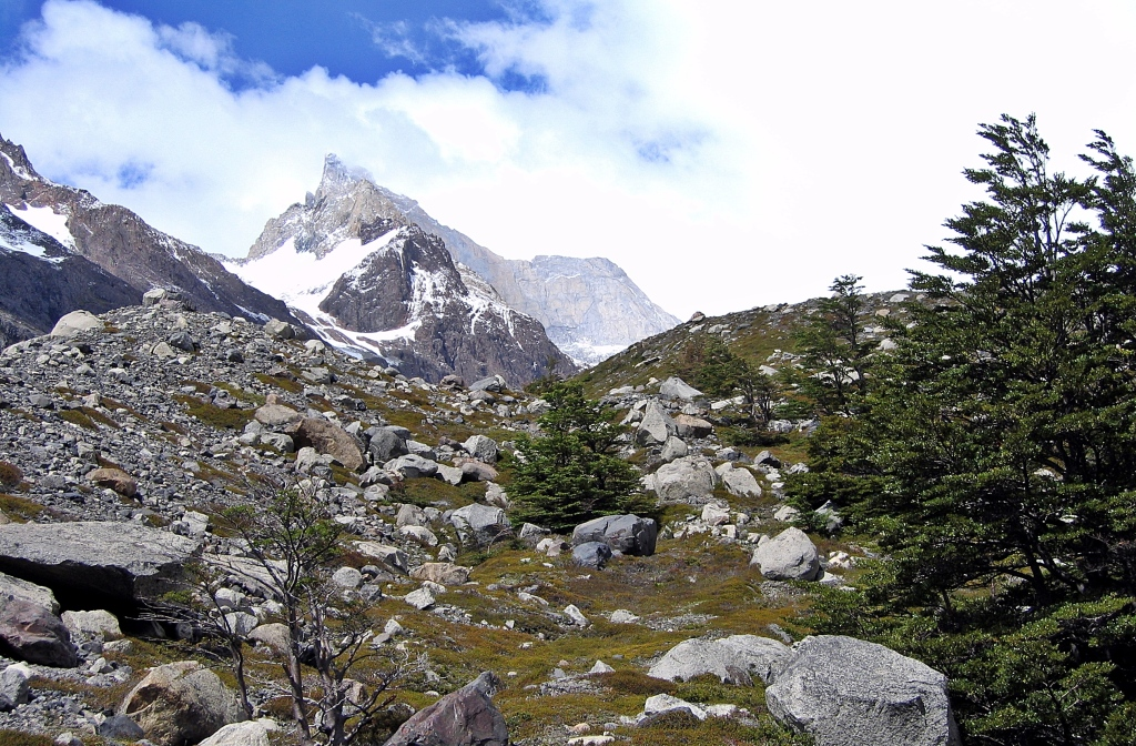 Trek to Paso John Garner, Parque Nacional Torres del Paine