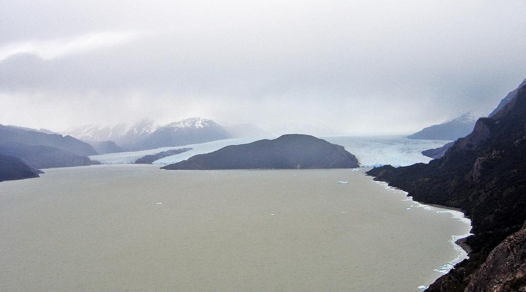 Glacier and Lago Grey, Parque Nacional Torres del Paine