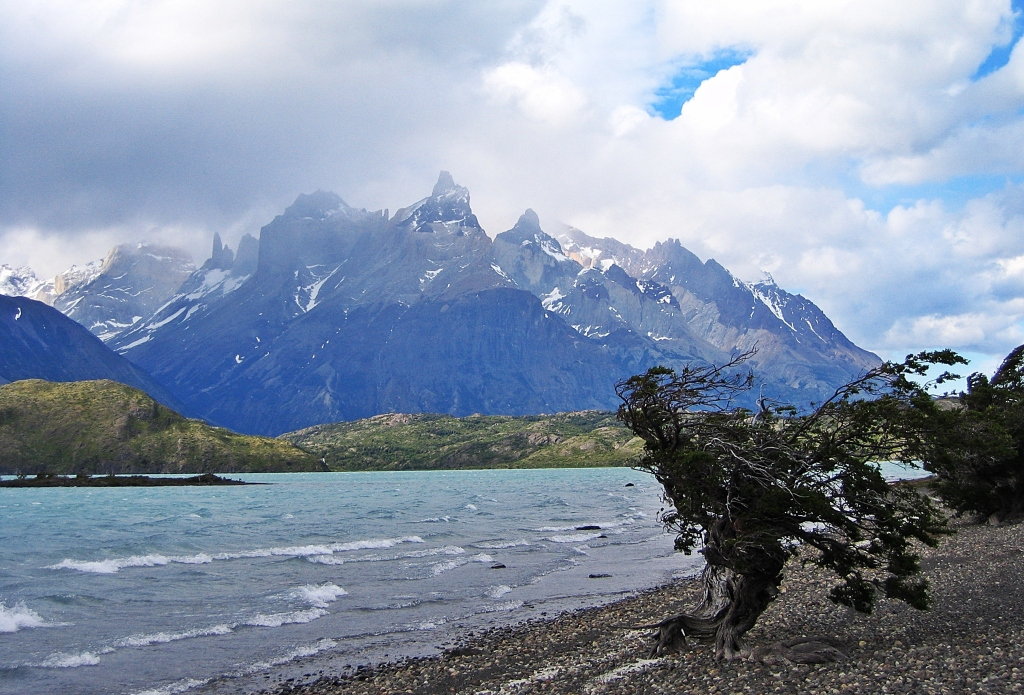 Cuernos del Paine from Lago Pehoe