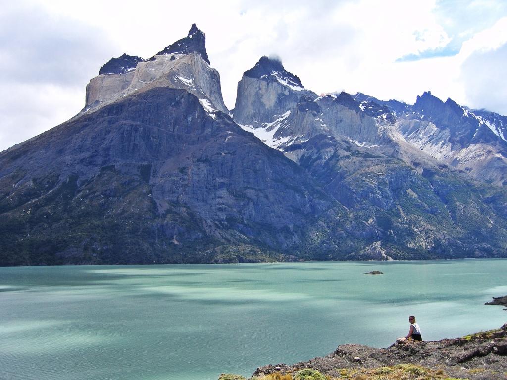 Cuernos del Paine behind Lago Nordenskjold