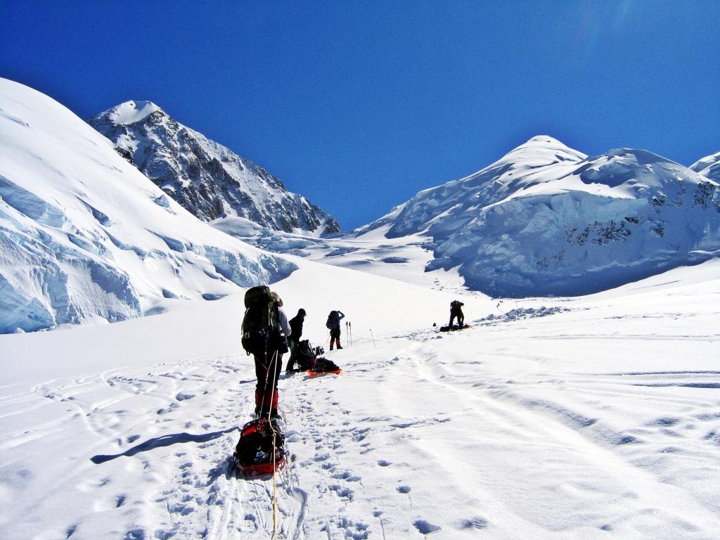 Digging a cache at Kahiltna Pass, Denali Climb
