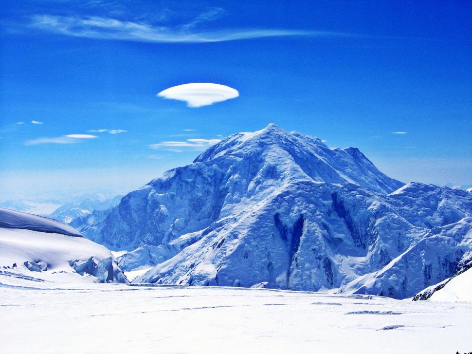 Lenticular cloud over Mt. Foraker, Denali Climb