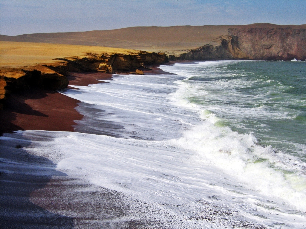 Playa Roja, Paracas National Reserve