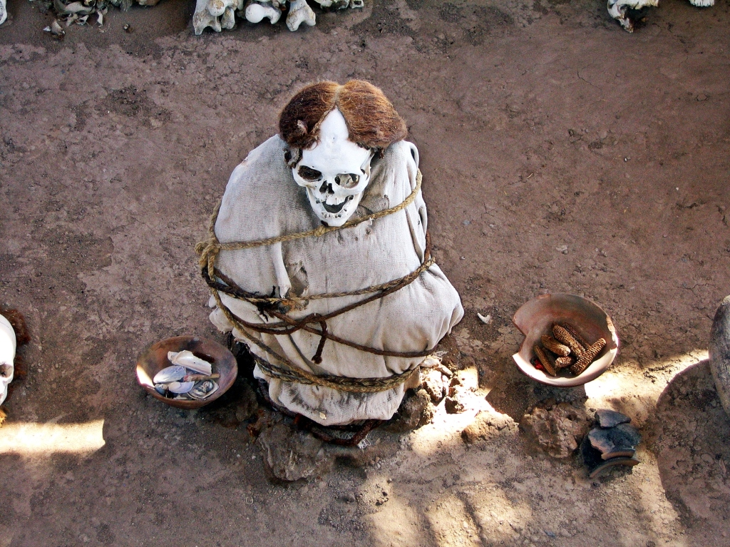 Mummy with pottery and corn, Chauchilla Cemetery