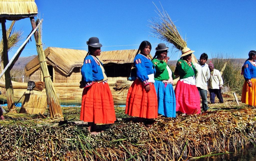 Uros villagers, Floating reed island
