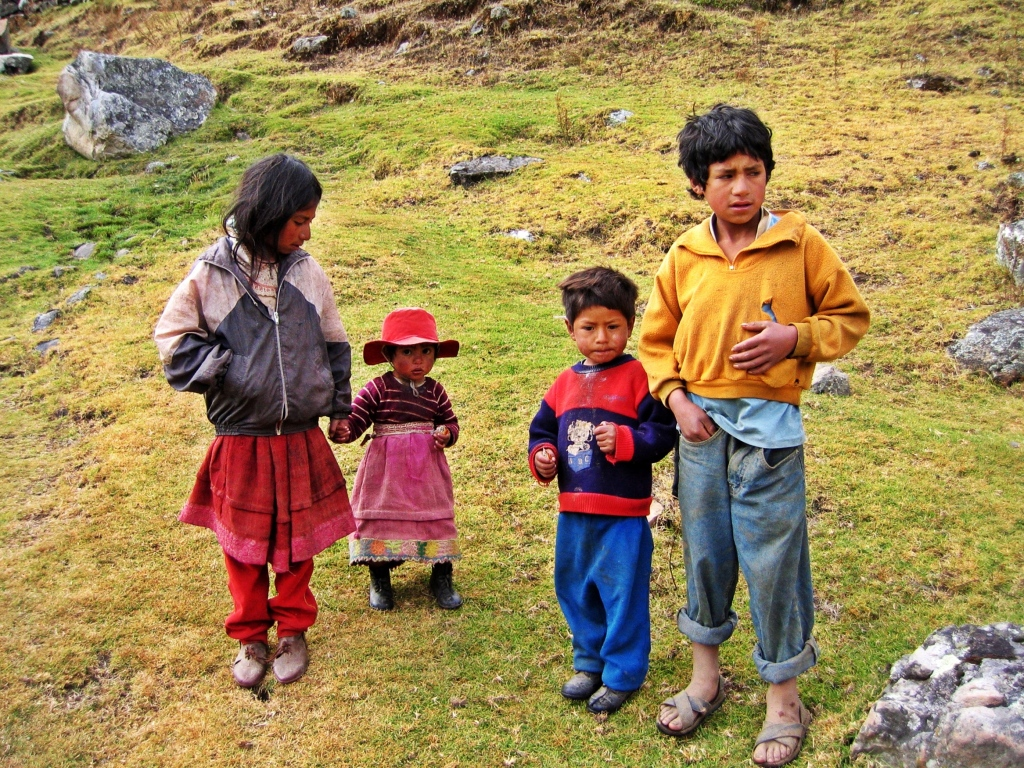 Local kids near Janca Pampa, Alpamayo Circuit Trek