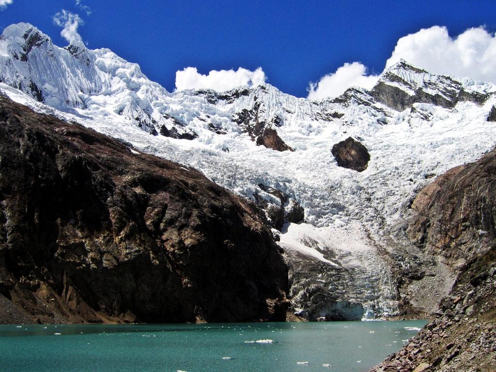 Laguna Arhueycocha, Alpamayo basecamp