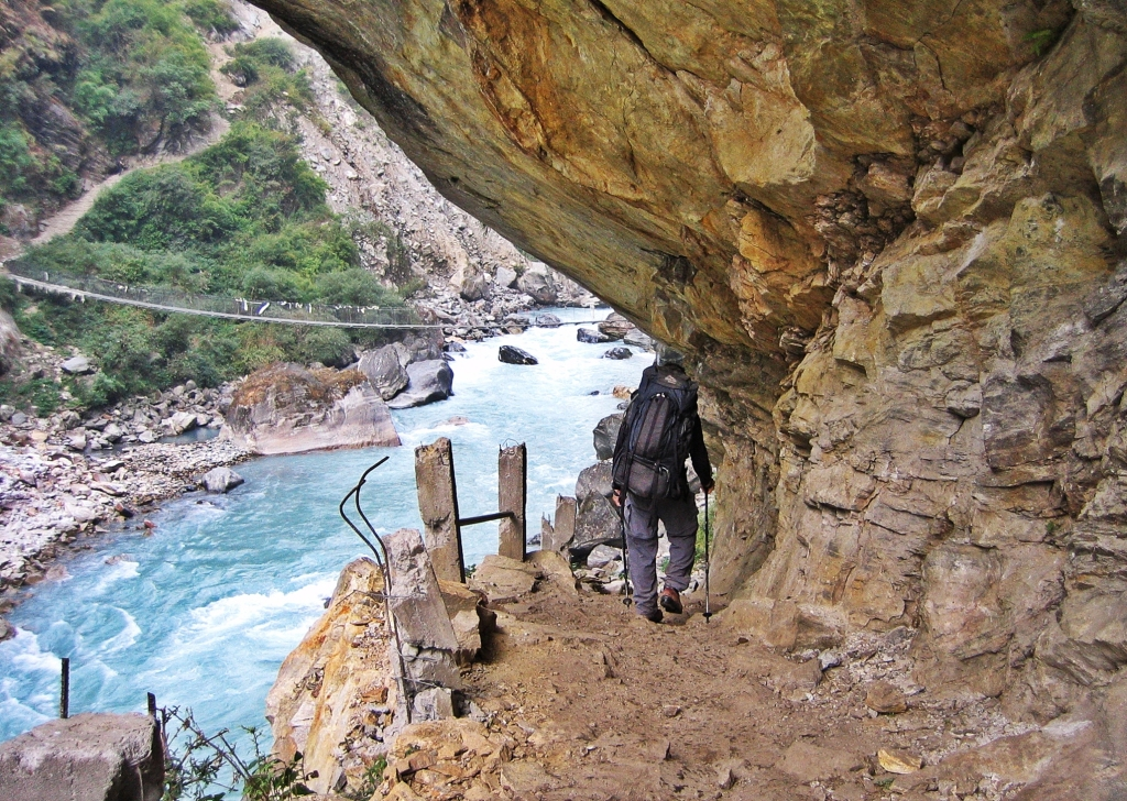 Narrow trail, Annapurna Circuit Trek