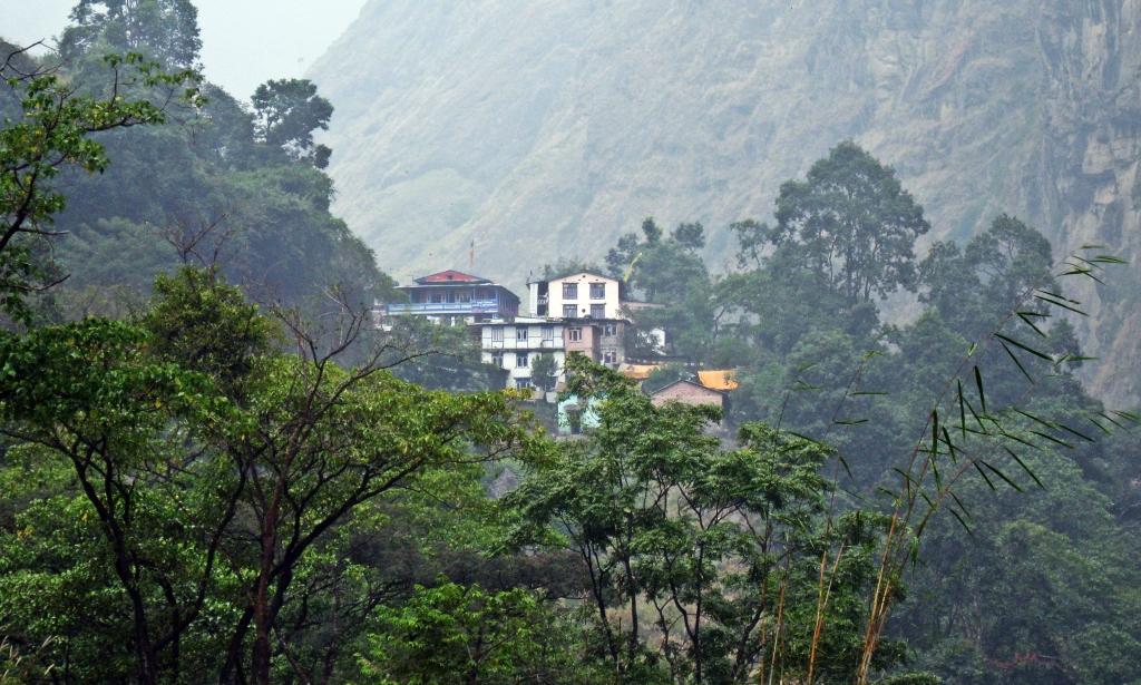Chamje, Annapurna Circuit Trek