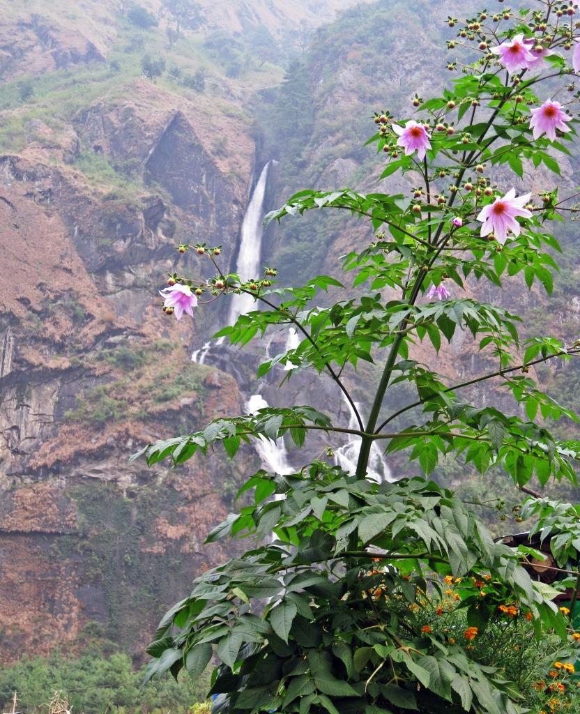Tal waterfall, Annapurna Circuit Trek