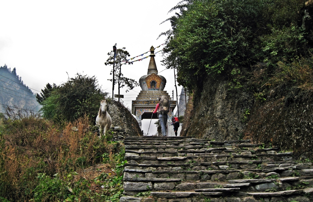 Buddhist kani, Chame, Annapurna Circuit Trek