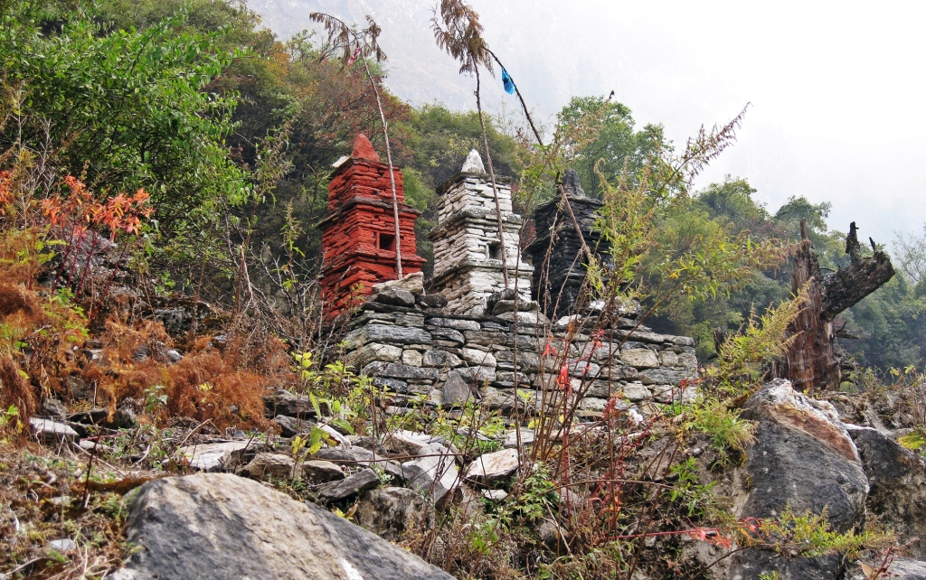 Buddhist chortens, Chame, Annapurna Circuit Trek