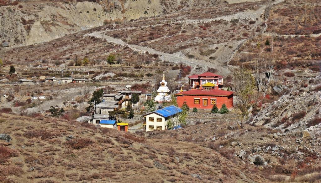 Jhong, Annapurna Circuit Trek