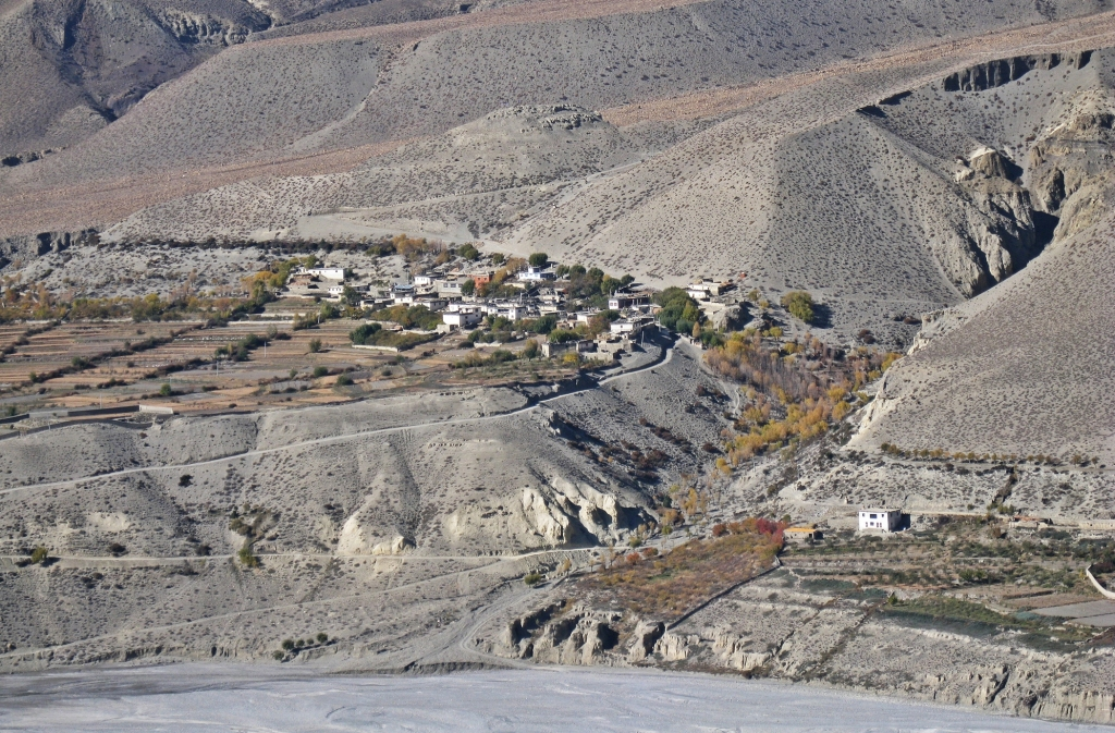 Village along the Kali Gandaki, Annapurna Circuit Trek