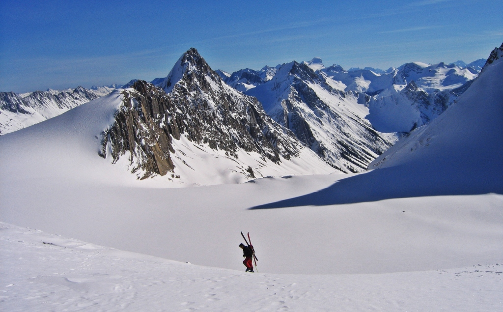 Walking up the Sir Douglas-Robertson Col, French Robertson Traverse