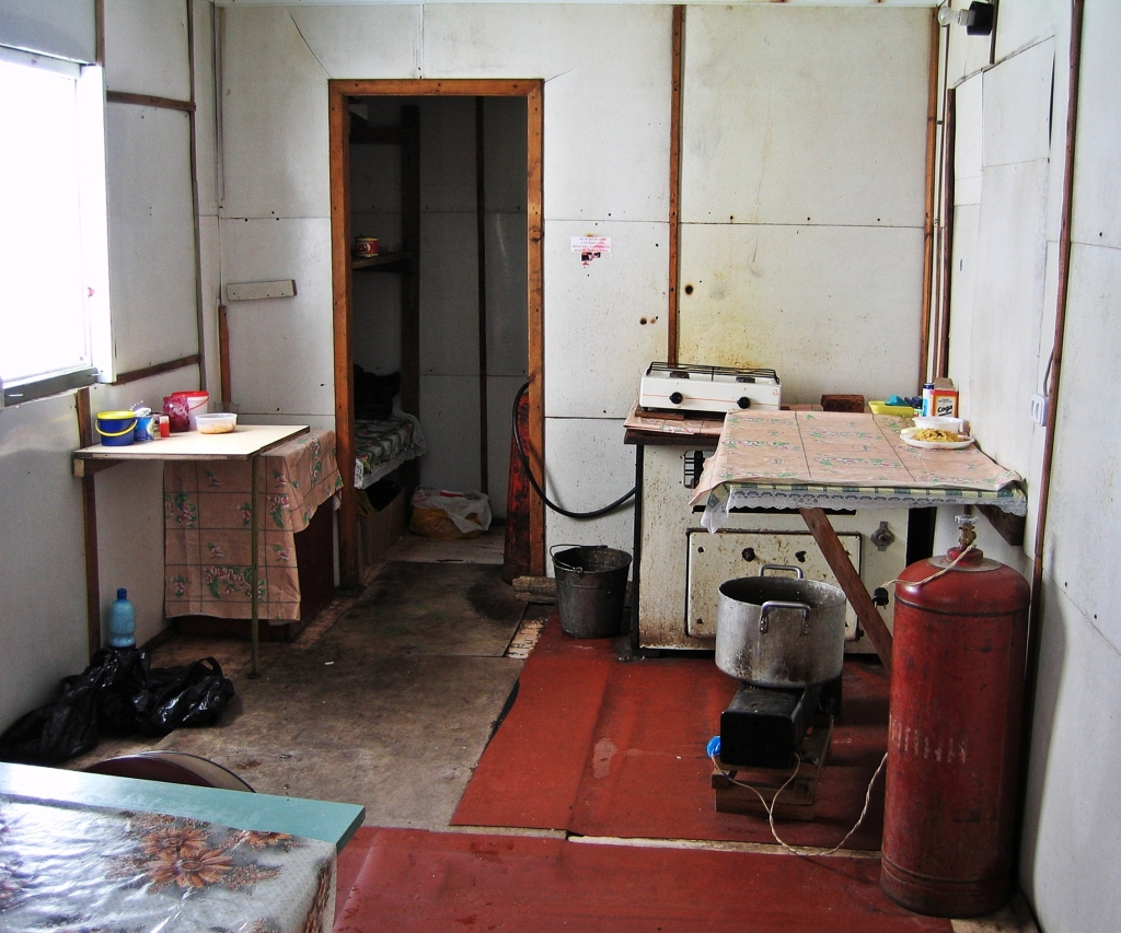 Kitchen in Barrel Huts, Mount Elbrus climb