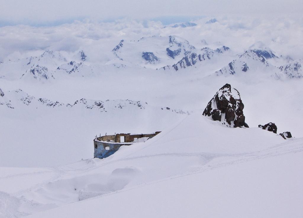 Diesel Hut, Mount Elbrus climb