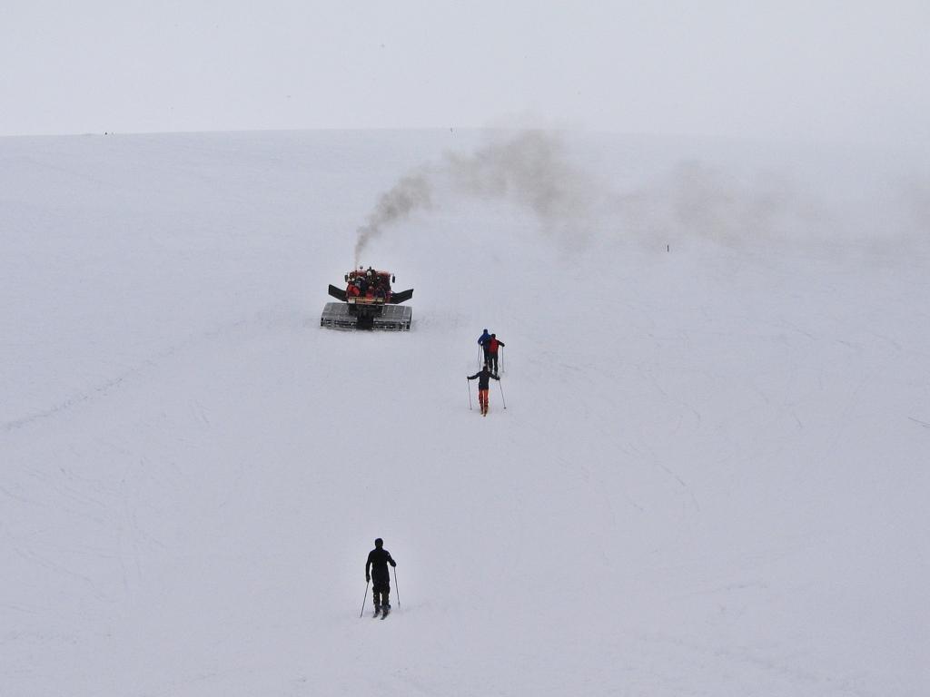 Snowcat below Pastukhova Rocks, Mount Elbrus climb