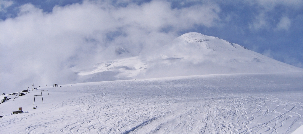 T-bar above Barrel Huts with east peak of Mount Elbrus climb