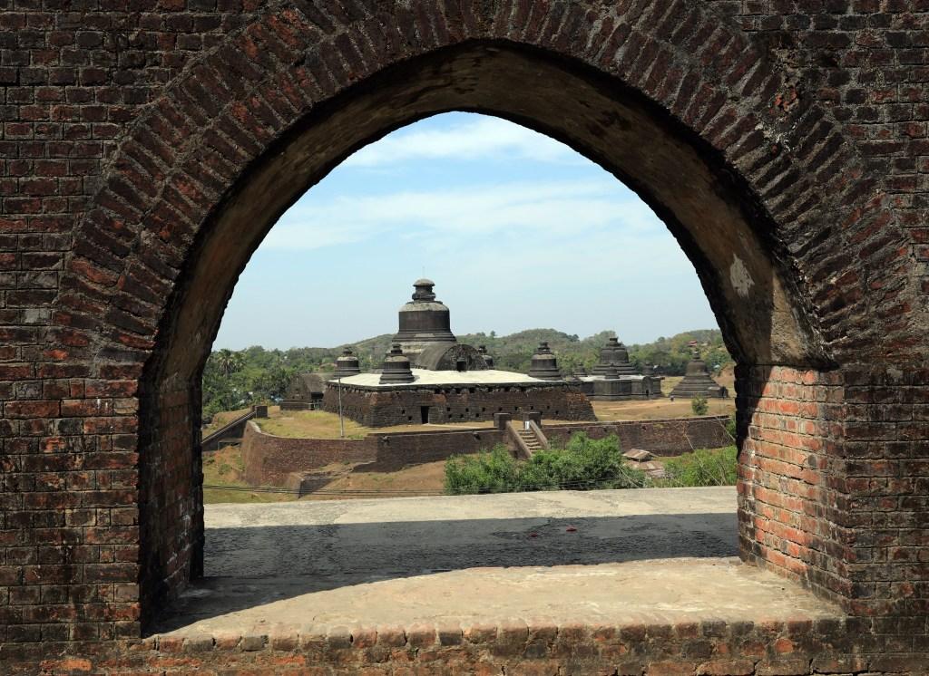 Htukkanthein Pagoda, Mrauk U