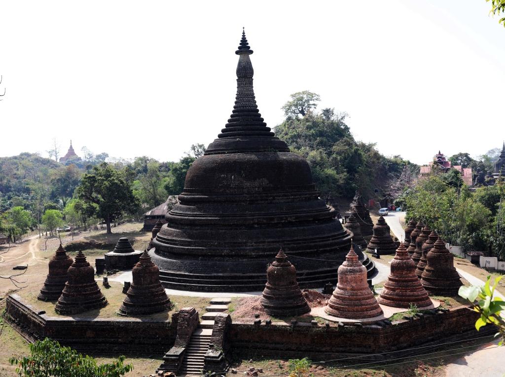 Ratana-Pon Pagoda, Mrauk U