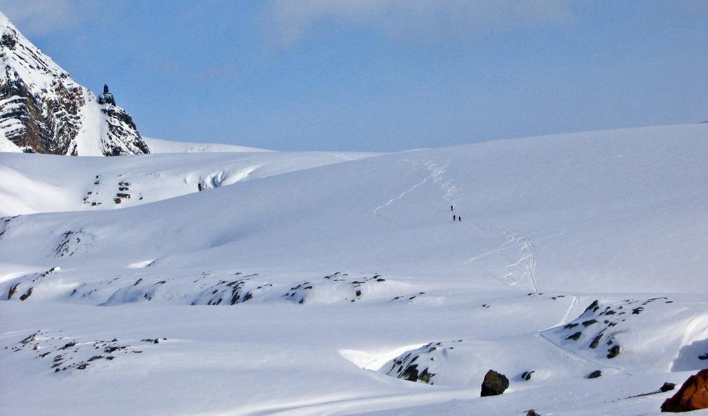 Skiing above Balfour Hut, Wapta Icefield