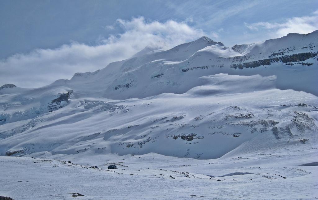 Mt Balfour, Vulture Glacier