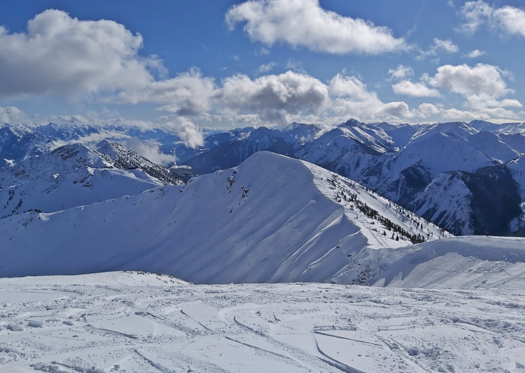 View from Ozone, Kicking Horse Moutain Resort