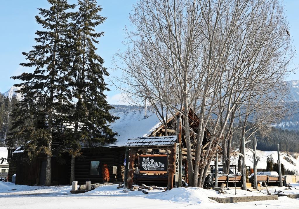 Wolf's Den, Golden, BC