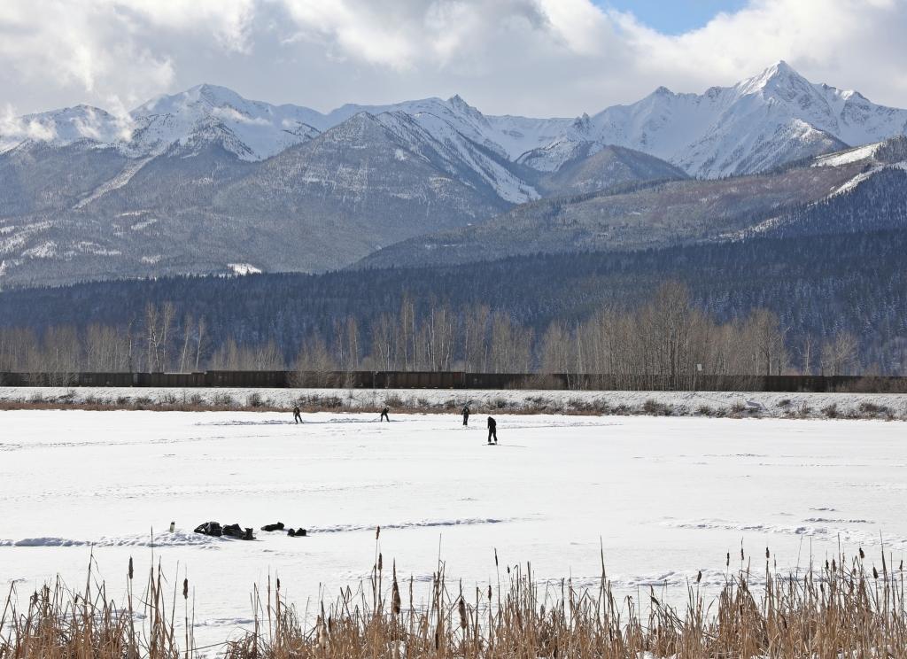 Hockey, Reflection Lake, Golden, BC