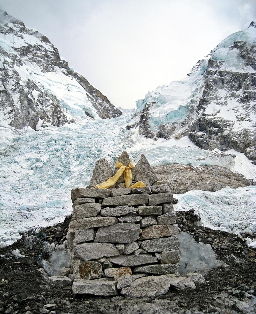 Puja altar, Everest Basecamp