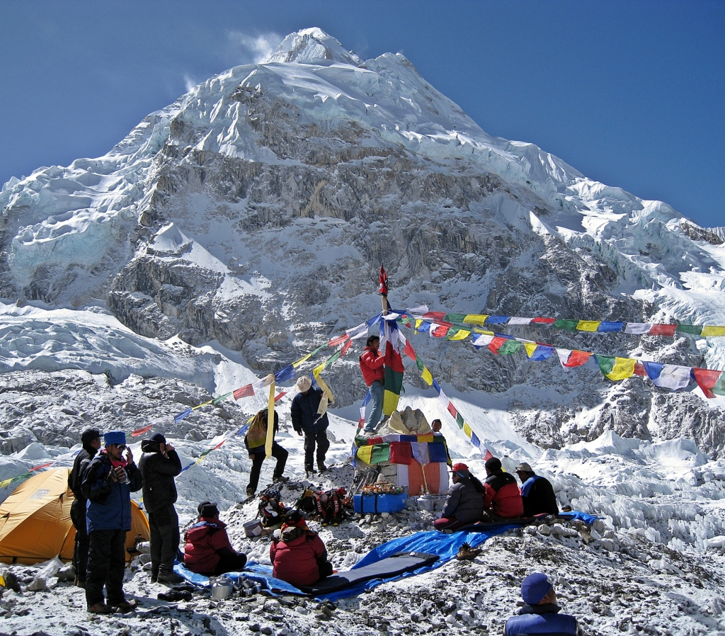 Setting up for the puja, Everest Basecamp