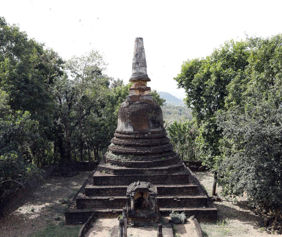 Wat Khao Suwankhiri, Si Satchanalai