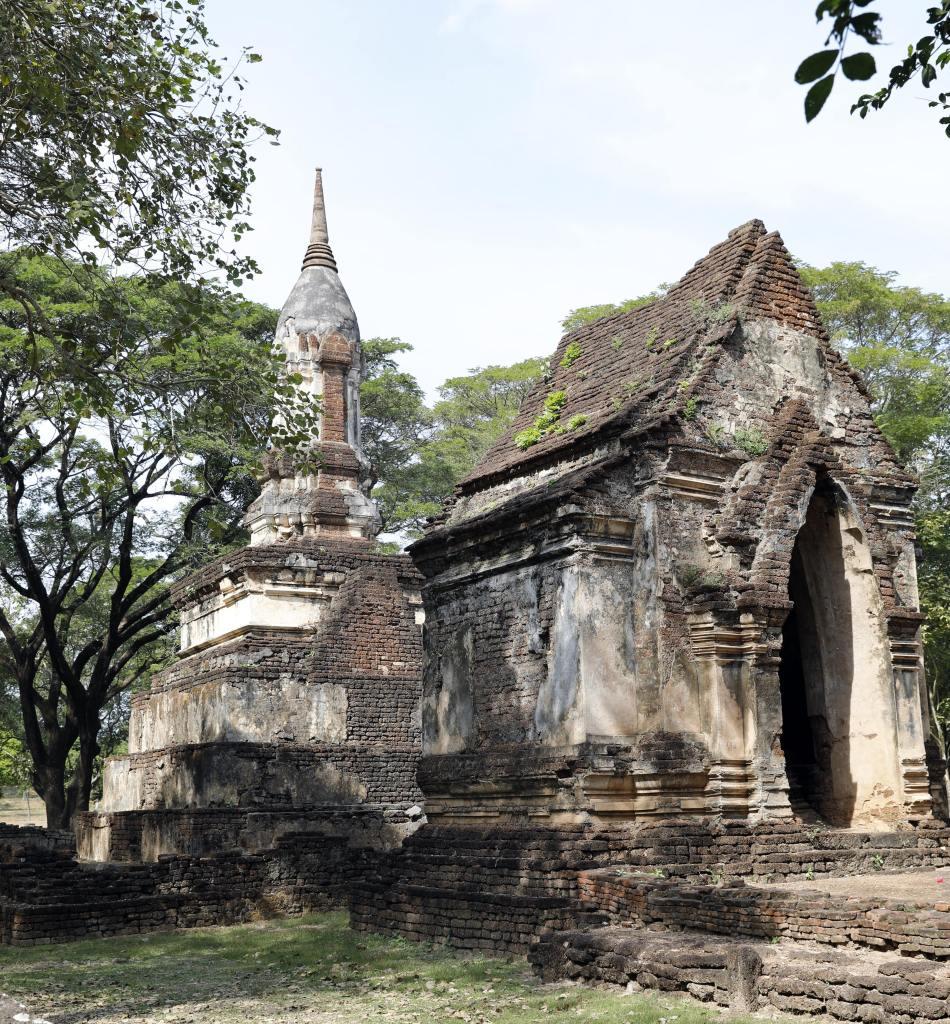 Wat Khao Phanom Phloeng, Si Satchanalai