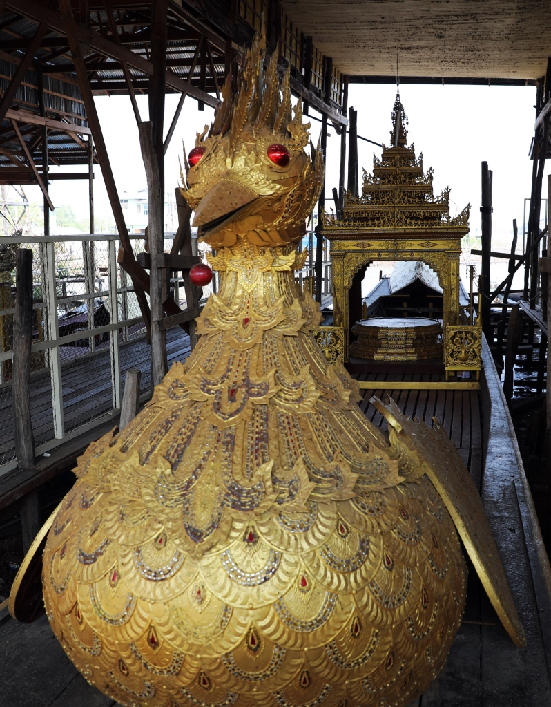 Royal barge, Inle Lake
