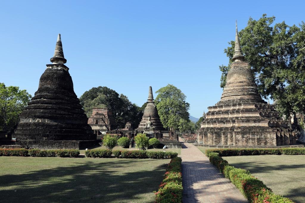Manicured garden, Sukhothai
